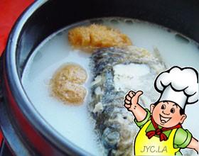 大蒜豆腐鱼头汤的做法