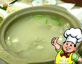 大蒜煲鸭的做法