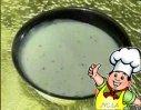 韭菜汁姜汁炖牛奶的做法